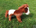 Calut din plus, cu sunete specifice