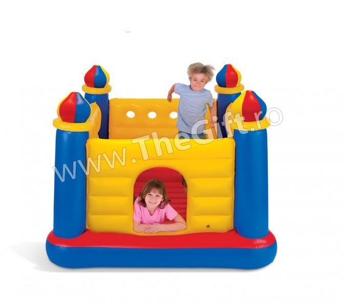Castel gonflabil pentru copii