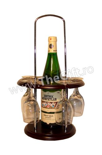 Minibar cu o sticla si sase pahare