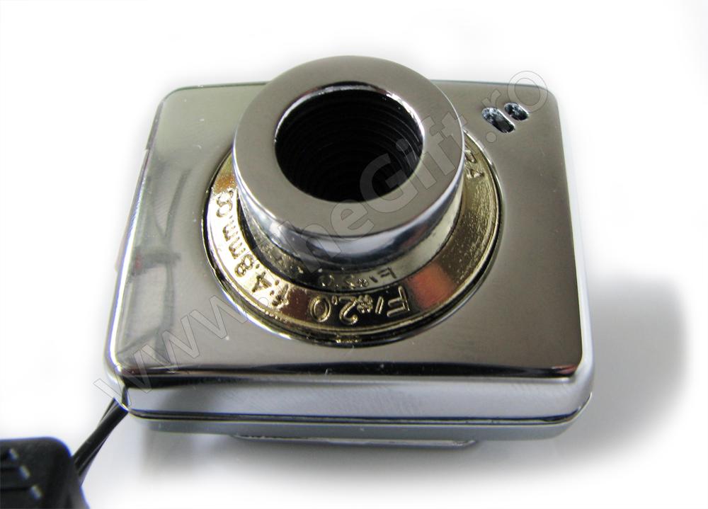 Mini camera web cu cablu retractabil