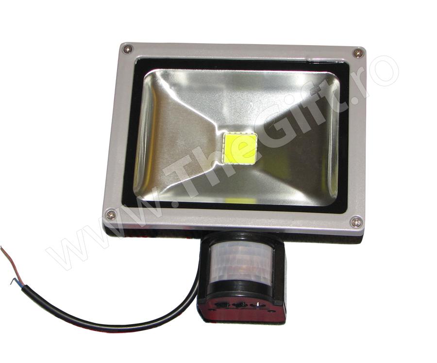 Proiector cu LED si senzor 10W