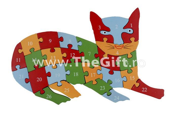 Puzzle 3 D din lemn, cu cifre si litere
